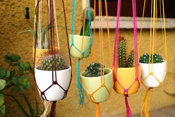 Suspendus planteur / décoration de printemps / par UtilartMacrame