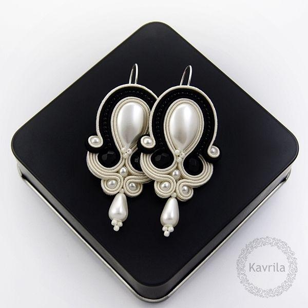 Simple jet soutache - kolczyki sutasz ślubne KAVRILA #kolczyki #ślubne #rękodzieło #soutache #sutasz #handmade #earrings #wedding #ivory #black #kavrila