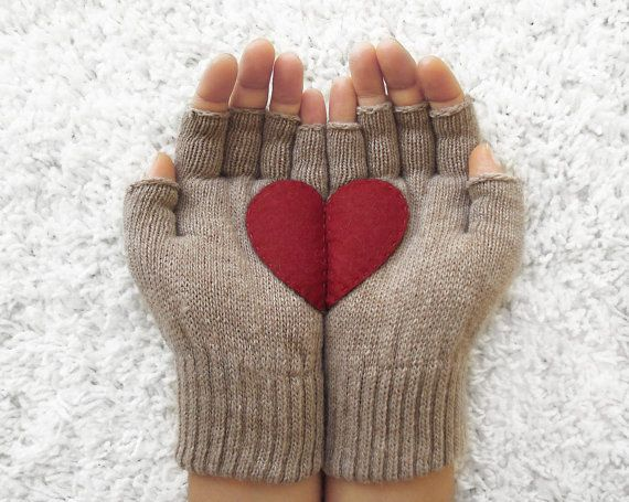 LIMITED GLOVES, Heart Gloves, Fingerless Beige Gloves with Cherry Felt Heart