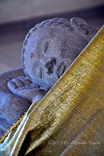 Tempio buddista, Mendut, Giava, Indonesia   Flickr - Photo Sharing!