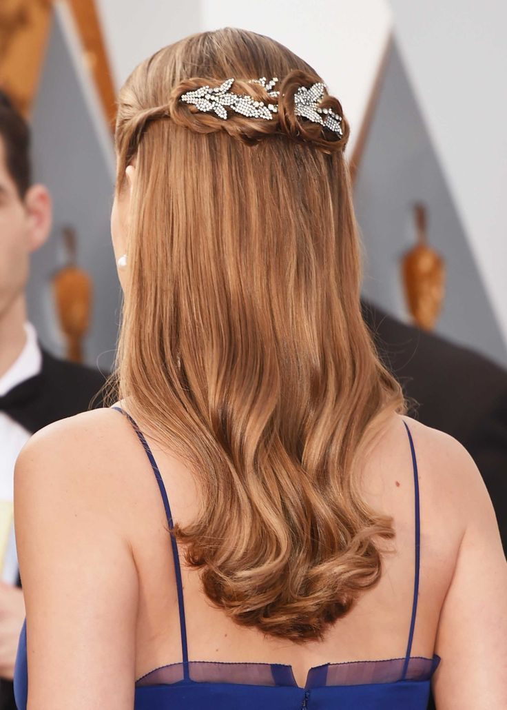 How To Get Brie Larson's Academy Awards Hair