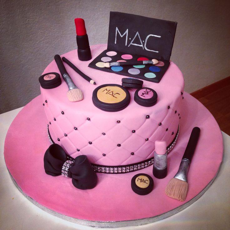 Makeup cake made by www.facebook.com/sweetsabbys