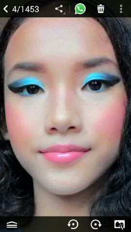 Sky blue eyes Makeup