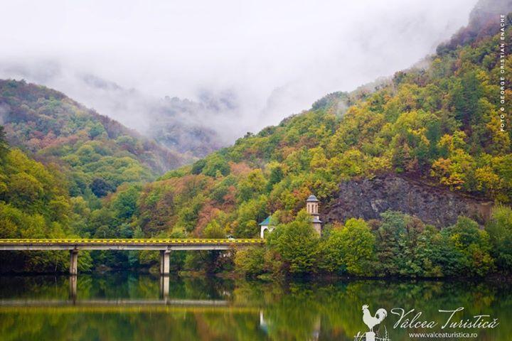 Viaduct Valea Postei. Calimanesti - Valcea