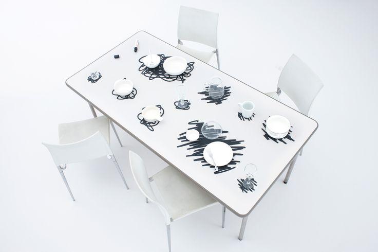 SCRIBBLE Una serie de manteles que parecen... - Industrial Design Ideas