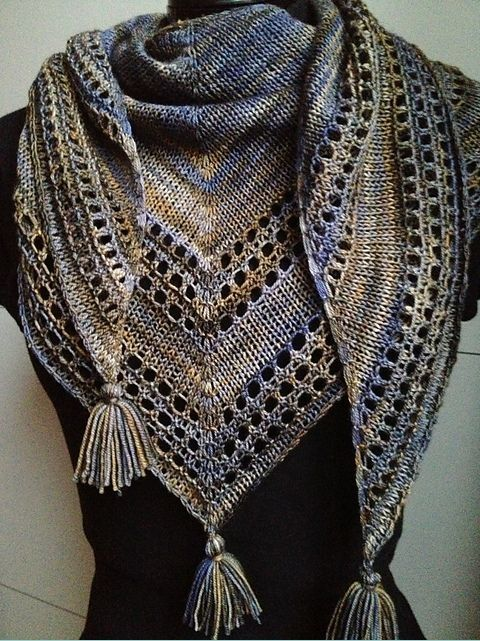 Light And Up Shawl By Caroline Wiens - Free Knitting Pattern