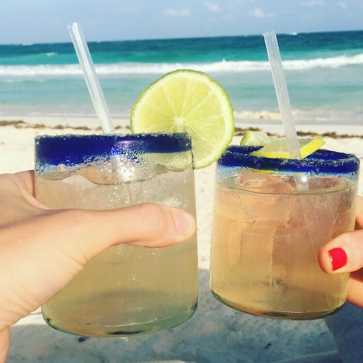 As the nights draw in and there is a chill in the air, dreaming of cocktails on a sun drenched beach . #tulum, #beauty, #beach, #cocktails #beautyful #beautyqueen #beautyofnature #beautylover #beautyblender #beautygram #beautygirl #beautyfull #purewellness #health #livewell #lifestlye #healthfullifestyle #2wksvac