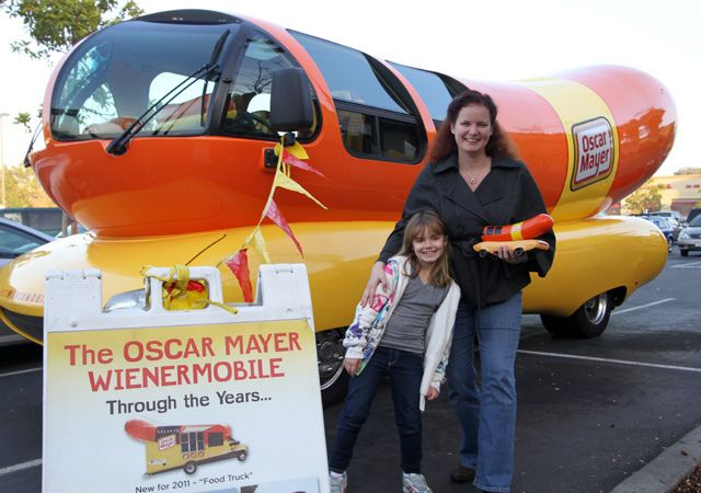 1000 ideas about oscar mayer on pinterest 80s candy the 70s and vintage toys. Black Bedroom Furniture Sets. Home Design Ideas