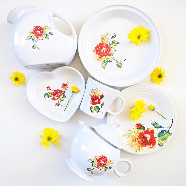 Fiesta Dinnerware Floral Bouquet Collection Made In The Usa By The Homer Laughlin China Company Fiesta Factor Dinnerware Floral Fiesta Dinnerware Dinnerware
