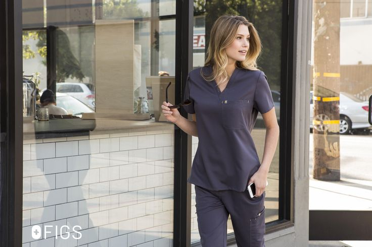 Women's Cabral Scrub Top & Fizi Skinny Scrub Pant in Charcoal