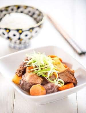 Halal Chinese Food Recipe-  Daikon, Carrot and Tomato Beef Stew Recipe