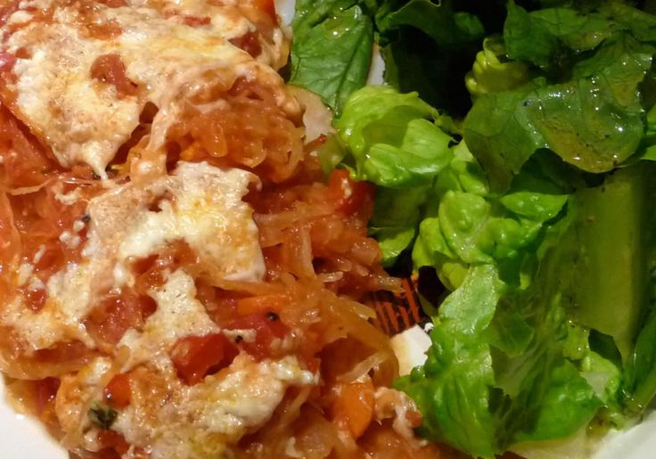 spaghetti squash casserole -- definitely want to try spaghetti squash recipes