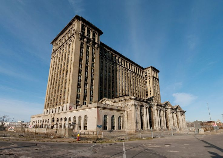 Gallery of 8 Extraordinary Examples of Abandoned Architecture - 7