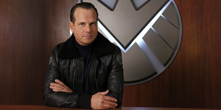 Bill Paxton Legendary Hollywood actor and director Bill Paxton had a glorious career with over 100 film and TV credits to his name. He starred in numerous blockbusters (Titanic, Aliens, Apollo 13 etc.), On February 2017, Paxton died at the age of 61 from a stroke as a result of complications from his heart and aorta surgery.