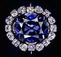 Le diamant bleu de la couronne, de Louis XIV, volé en 1792, serait à l'origine du diamant Hope apparu en Angleterre après le vol.