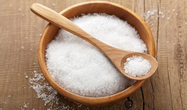 (adsbygoogle = window.adsbygoogle || []).push({});   Si vous avez entendu parler du sel d'epsom, mais que vous ne savez pas exactement de quoi il s'agit, il est grand temps d'en apprendre davantage sur ses nombreux bienfaits pour la santé et ses utilisations quotidiennes. Sa magie vient en grande partie du fait qu'il est en grande partie composé de magnésium, un composé chimique que vous avez dans vos propres cellules. Une de ses fonctions est de réguler plus de troi...