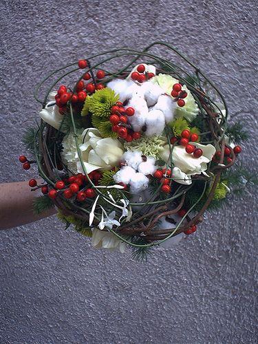 Risultati immagini per composizioni fiori invernali