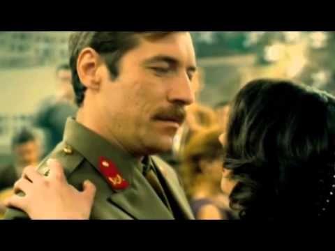 Μια στιγμή για πάντα - Το τανγκό των Χριστουγέννων -Γιώργος Νταλάρας - YouTube