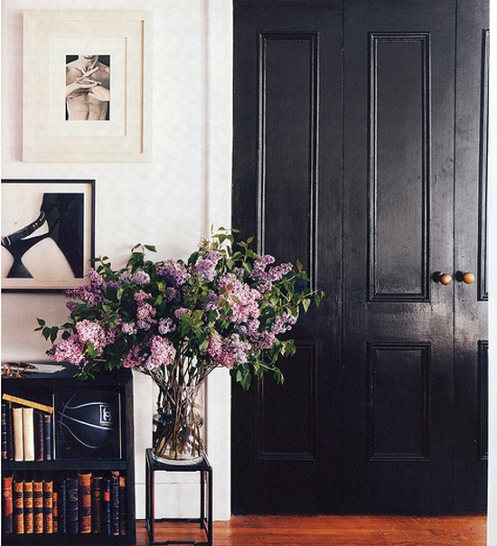 Svart dörr