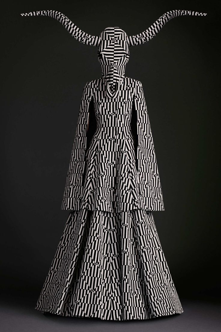 I must post some crazy fantastic kind of fashion as well. Gareth Pugh Collection -40 - The Cut