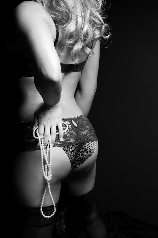 boudoir photo ideas, would be cuter with handcuffs instead on pearls