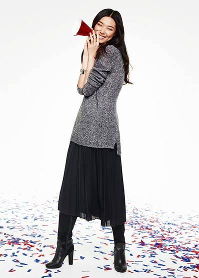 #tommyhilfiger #holiday #grey #black #smart #elegant #skirt