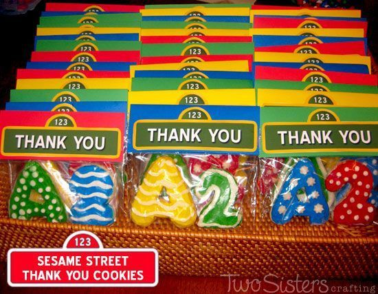 Sesame Street Thank You Cookies for a Sesame Street Party #SesameStreetParty #TwoSistersCrafting