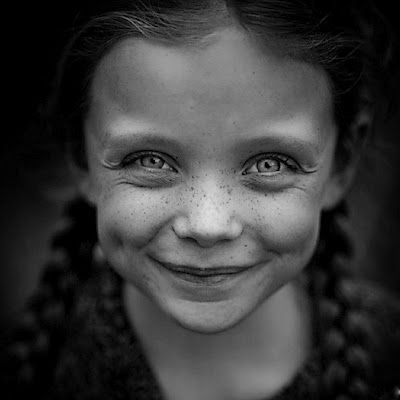 VINTAGE, EL GLAMOUR DE ANTAÑO: Sonrisas de niños en blanco y negro