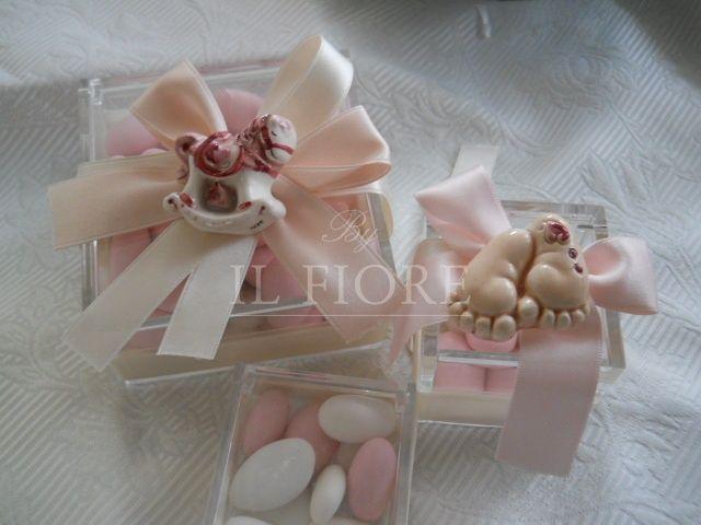 Bomboniera battesimo scatola in plexiglass con piedino e cavalluccio in ceramica