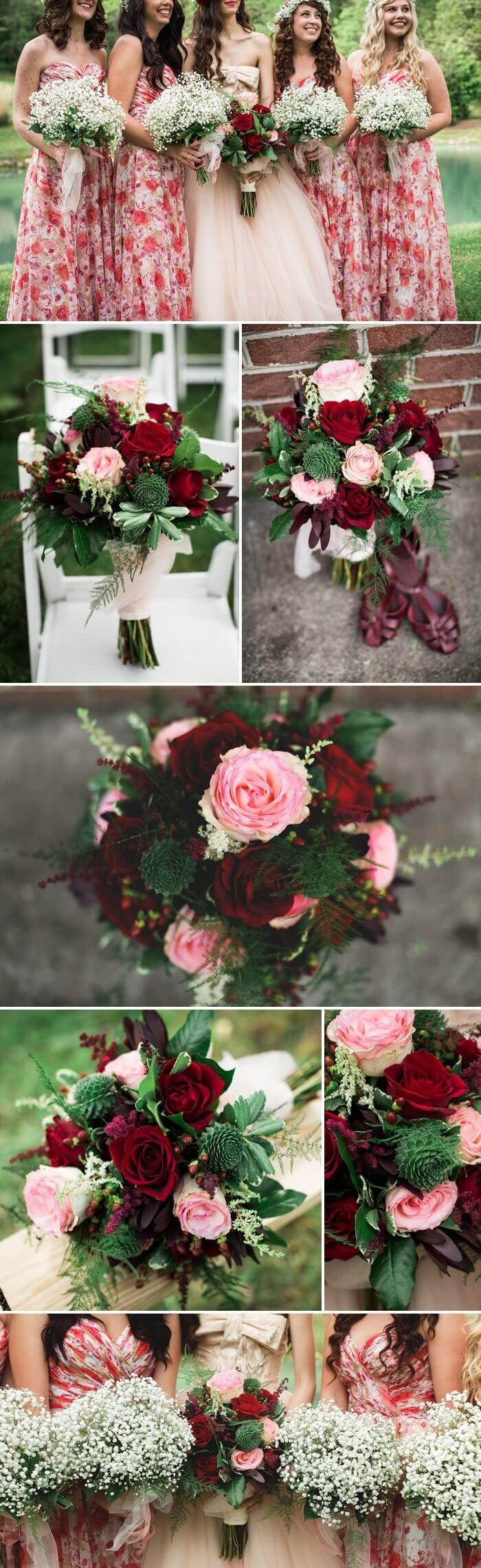 Der Brautstrauß hielt sich passend dem Motto ganz in bordeaux und Rose. Die Brautjungfern stellten den schönen Brautstrauß mit ihrem Sträußen aus Schleierkraut in den Fokus. I © Jasmine White Photography