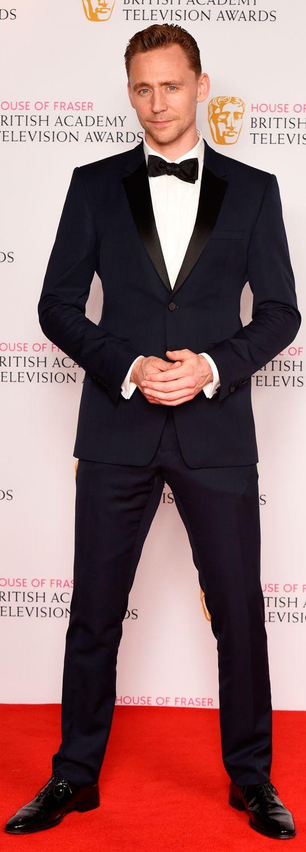 #TomHiddleston at BAFTA TV Awards 2016. (Full size image: https://i.imgur.com/t7yjzIU.jpg ) #TuxedoTuesday