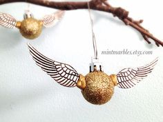 "Golden Snitch Tree Ornament | 18 Magical ""Harry Potter"" Themed Christmas Decorations"