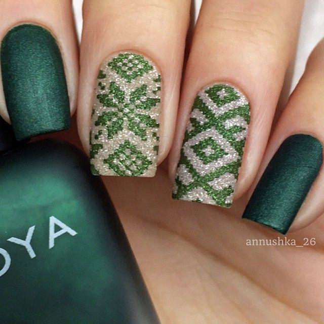 """Zoya """"Veruschka"""" & Godiva"""" & stamping - nail design"""