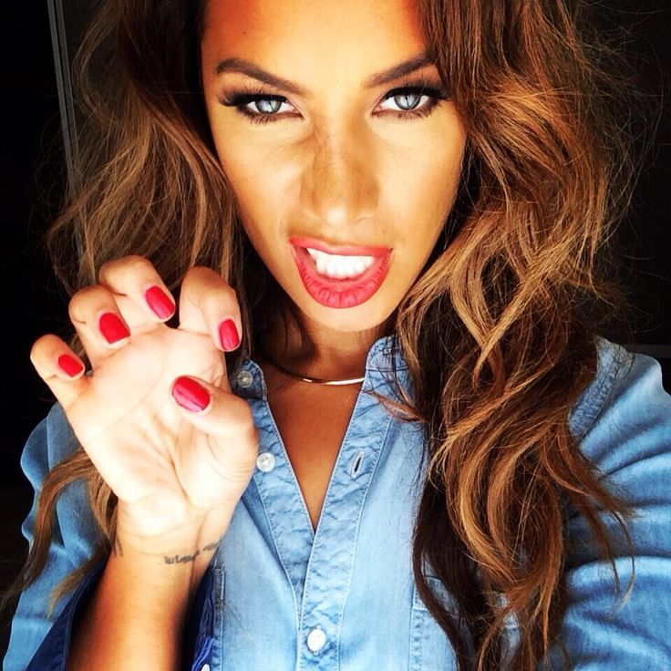 Leona Lewis. Love her!!!  And her hair.