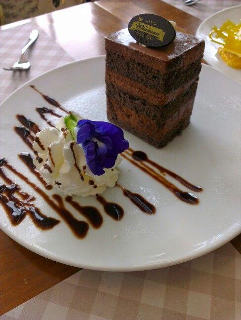Mouse chocolate cake