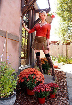 Shemale Crossdresser - Free Shemale Pictures
