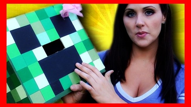Want to dress up like a creeper from Minecraft for Halloween? or just because? You're in luck. Check out this video to learn how to make a great-looking creeper costume out of a paper box. Blockify yourself like a Minecraft mob.
