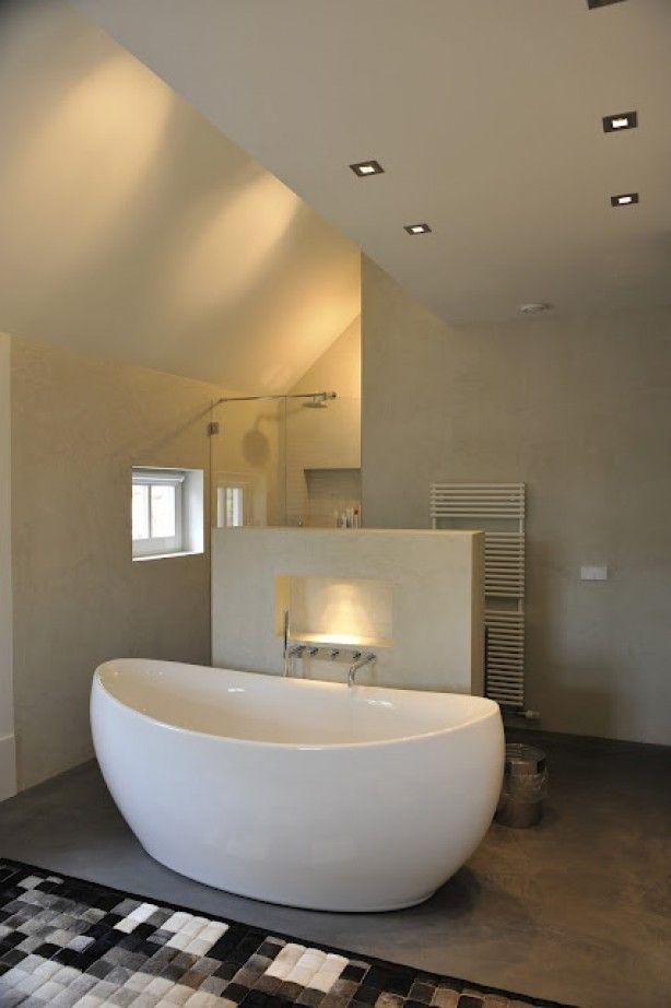 Slaapkamer en badkamer. Badkamer zonder tegels!