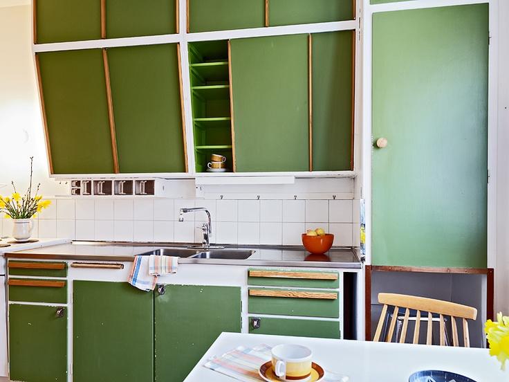 R E E L I N K I: .50- luvun keittiössä.
