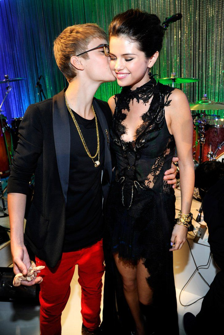 Pin for Later: A Sweet, Somewhat Hilarious History of Celebrity Couples at the MTV VMAs Justin Bieber and Selena Gomez, 2011