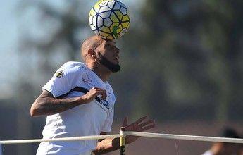 À espera de Alex, Santos procura atacante rápido para fechar elenco  http://santosfutebolarte.omb10.com/SantosFutebolArte/placar-de-vitoria-x-santos
