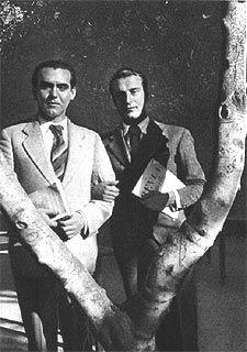 4.Gª Lorca junto a Rafael Alberti, uno de sus compañeros en la Residencia de Estudiantes y gran amigo.