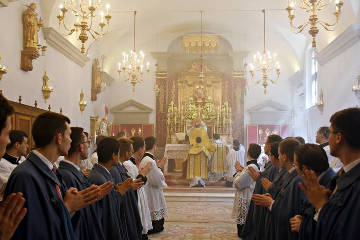 Photo - Elevation of the chalice of Precious Blood, Feast of Corpus Christi at the Seminary (2017)