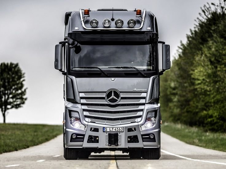 Awesome 2016 Benz Truck