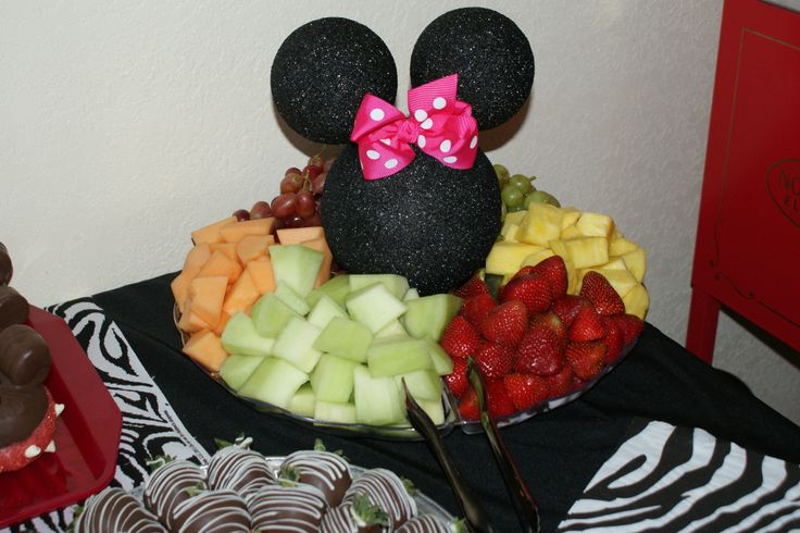 Fruit Tray For Sarahs Party Too Cute In 2019 Minnie