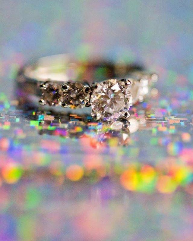 #eringilmorephotography #januarywedding #rainywedding #swanesetwedding #brideandgroom #swaneset #weddingring