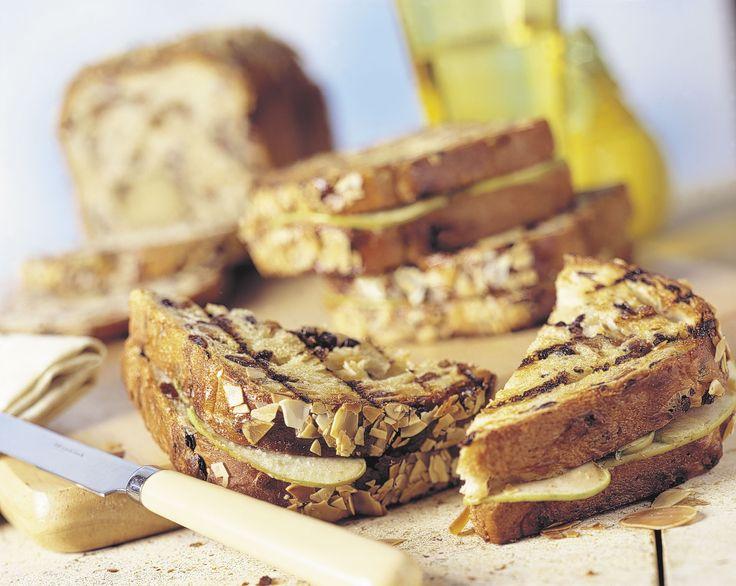 Tosti van paasbrood: http://www.brood.net/recepten/zoet/tosti-van-paasbrood