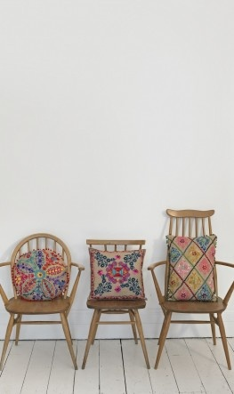 I love these chairs and their cushions, although they remind me of the three bears?