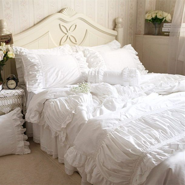 Handmade luxury bedding set Korean fold White Satin Lace inlay craft bedding for wedding ruffle duvet cover elegant bedspread