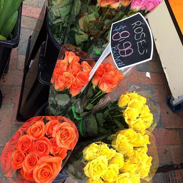 Beautiful roses at my local 🌹  #florist #supportlocal #shoplocal #flowers #inbloom #roses #gift #beautiful #colourful #orangeroses #yellowroses #sopretty #instaroses #instalove #instaflowers #instacolor #melbourne #bayside #melbournelifelovetravel